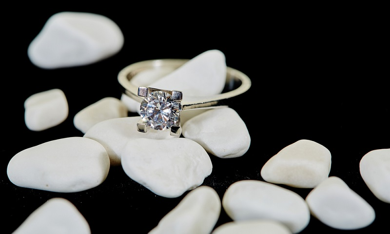 How to choose the best lab created diamonds?